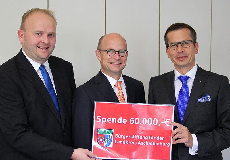 Sparkasse-spendet-60.000-Euro-fuer-Buergerstiftung